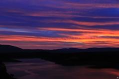 Embalse de El Atazar. (Miaw.) Tags: madrid pink blue sunset sky orange mountains water yellow azul atardecer landscapes agua rosa paisaje pantano bleu amarillo cielo naranja presa montaas embalse elatazar canoneos500d