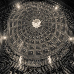 "Dome Duomo di Siena, Sienna • <a style=""font-size:0.8em;"" href=""https://www.flickr.com/photos/25932453@N00/7780915496/"" target=""_blank"">View on Flickr</a>"