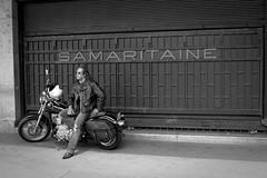 Easy Rider (Sylvain Courant photographies) Tags: street portrait bw white man black paris horizontal cutout photography photo candid nb route depart moto biker easy davidson rider motard samaritaine aventure prendre sylvaincourant