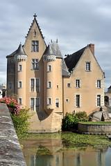 Château des Carmes à La Flèche - Sarthe (Philippe_28) Tags: france castle europe château 72 loir sarthe paysdelaloire laflèche carmes