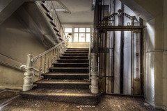 Staircase and Elevator (Fine Art Foto) Tags: haus der anatomie house anatomy physio schule school urbex urbanexploration urbandecay urban lostplace lostplaces lost abandoned aufgegeben oblivion rotten decaying decay derelict staircase elevator