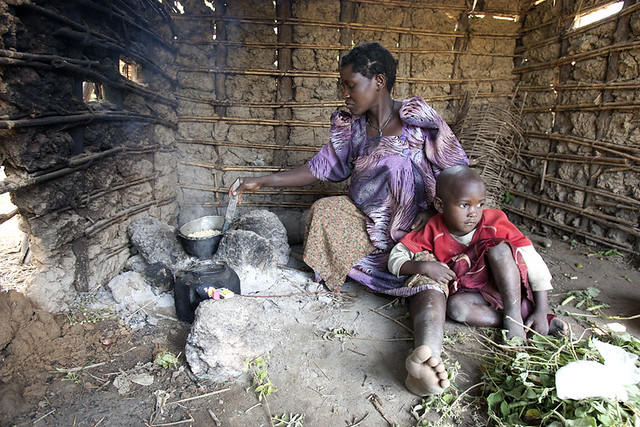 africa-uganda-cooking