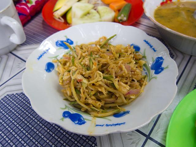 Theeyetthee Thoke (Sour Mango Salad)