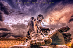 The hero (mlphoto) Tags: travel england london statue pentax unitedkingdom explore buckinghampalace hdr hydeparkcorner pentaxk20d mlphoto blinkagain blinkagainfrontpage bestofblinkwinners mlphoto blinksuperstars markuslandsmannzenfoliocom