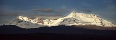 Hualca Hualca (victor mendivil) Tags: peru nikon nieve sigma paisaje cielo panoramica nubes montaña turismo arequipa frio nevado geografia yanque d80 ltytr1 18200mmf3563dcos caylloma cruzadasgold victormendivil cruzadasii cruzadasi cruzadasiii deportedealtamontaña