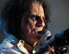 20120808_21 Alice Cooper at Liseberg | Gothenburg, Sweden (ratexla) Tags: show life people musician music man men guy celebrity rock musicians gteborg person concert europe artist tour rockstar sweden earth live famous gothenburg gig performance guys dude entertainment human liseberg artists rockroll horror shock celebrities sverige celebs rocknroll musik dudes scandinavia celeb humans scandinavian konsert 2012 alicecooper goteborg tellus homosapiens organism storascenen photophotospicturepicturesimageimagesfotofotonbildbilder notintheeternityset canonpowershotsx40hs 8aug2012