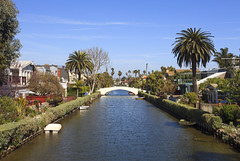 Venice Canals, California, USA (Thierry Hoppe) Tags: california houses usa canal losangeles view district historic canals residential venicecanals