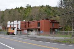 DSC_1265 (Cory Seamer) Tags: abandoned pennsylvania resort poconos swingers urbex pennhills honeymoonresort