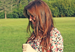 Living (Ju Muncinelli) Tags: red girl face ego hair close haired ruiva