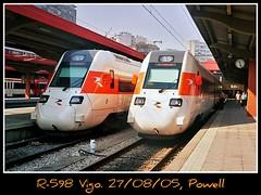Otra estacion menos (Powell 333) Tags: españa train tren spain media trains galicia estacion powell caf regional vigo estación distancia ferrocarril renfe viajeros adif ffcc 598 operadora r598