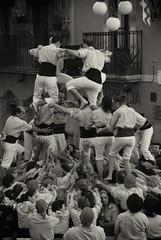 Xiquets de Tarragona (Sabreur76) Tags: people bw spain traditions catalonia catalunya catalan tarragona vicen colla castells xiquets xiquetsdetarragona nikond80 feli niksilverefexpro tamron18270 sabreur76 vicenfeli