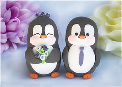 Penguins cake toppers wedding - purple, white (PassionArte) Tags: flowers original winter wedding sculpture orange white snow black cute ice animal cake grey penguin groom bride funny veil gray craft bouquet caketopper etsy elegant custom figurine matrimonio torta personalized nozze sposi statuine ricevimento