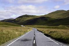 Glenshee, Scotland (bm^) Tags: road uk travel light sun mountain mountains color colour tourism nature landscape licht scotland soleil glenshee natuur reis gb zon weg landschap reizen schotland kleur baan toerisme perthandkinross greatbrittain