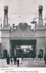 "Luna Park • <a style=""font-size:0.8em;"" href=""http://www.flickr.com/photos/56515162@N02/6564331785/"" target=""_blank"">View on Flickr</a>"
