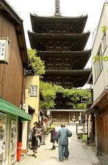 Central Gion 38 (David OMalley) Tags: heritage japan japanese kyoto district neighborhood geisha   nippon gion kansai japon      keihanshin