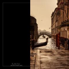 La ciudad del asfalto mojado (Julio_Castro) Tags: puente lumix agua gondola venecia canales lumixdmclx1
