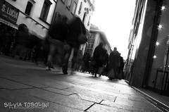 {3/52} Per Strada (Sivi) Tags: world santa italy art bar see strada italia different earth things via persone lucia movimento terra per bergamo settembre bianco nero venti pavimento negozi