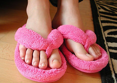 (Tellerite) Tags: feet toes sandals flipflops barefeet slippers beautifulfeet prettytoes sexytoes sweetfeet prettyfeet sexyfeet girlsfeet femalefeet teenfeet femaletoes candidfeet beautifultoes younggirlsfeet youngfeet baretoes girlstoes girlsbarefeet teentoes teenagefeet teenagetoes teengirlsfeet girlsbarefoot youngfemalefeet candidtoes youngfemaletoes