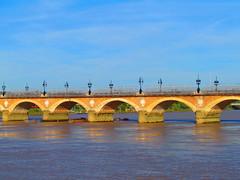 La Garonne et le Pont de Pierre, Bordeaux (twiga_swala) Tags: bridge france stone french puente pierre bordeaux historic pont garonne monumental piedra garona gironde burdeos