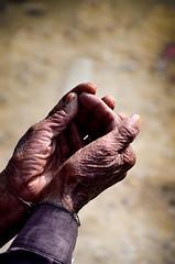 Begger's hands (ShaukatNiazi) Tags: old city pakistan streets nikon inner 1855mm rawalpindi shaukat 55200mm niazi d7000