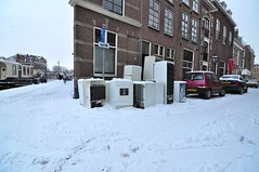 Fridges and washers in the cold (Michiel2005) Tags: snow holland netherlands leiden sneeuw nederland washingmachine wasmachine koelkast ijskast