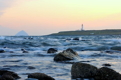 Pladda and Ailsa Craig sunset (iancowe) Tags: sunset lighthouse scotland clyde dusk scottish craig ailsa arran firth gloaming ailsacraig pladda northernlighthouseboard nlb kildonan lighthousetrek wbnawgbsct