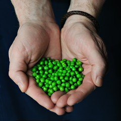 Give Peas a Chance (-liyen-) Tags: hands 50mm14 peas figureofspeech visualpun d300 givepeaceachance givepeasachance activeassignmentweekly nikond300