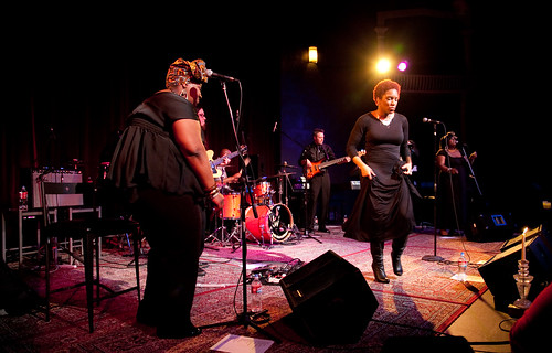 Liv_Warfield_Experience__Alberta_Rose_Theatre__2012_2_4___(25_of_30)
