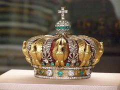 Louvremarch201053 (Akieboy) Tags: paris france museum gold louvre diamond crown empress emerald eugenie