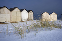 France - Normandie - Ouistreham (Thierry B) Tags: snow france geotagged photography frankreich europe exterior photos outdoor dr normandie geotag fr normandy extrieur calvados  geolocation photographies  bassenormandie  horizontales europedelouest    gotagg thierrybeauvir beauvir wwwbeauvircom droitsrservs leuropepittoresque photothierrybeauvir