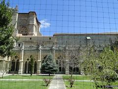 vila (santiagolopezpastor) Tags: espaa church spain cathedral gothic catedral iglesia medieval cloister espagne middleages castilla claustro vila castillaylen gtico provinciadevila