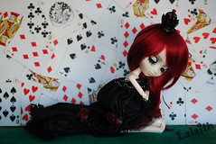 100 Photo Challenge (4/100) (_Lalaith_) Tags: red roses playing black eye diamonds hair hearts cards outfit doll noir lashes dress wine maroon skirt queen poker card joker crown pullip neo braids lunatic clovers spades lalaith suzaku usagihime rewigged