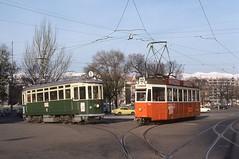 1977-11, Genève, Rond-Point de Plainpalais (Fototak) Tags: switzerland geneva tram 700 genève 67 tpg 724 strassenbahn schindler ligne12 agmt normalisée