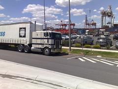 Peterbilt (atkinson3800) Tags: truck prime australian semi pete aussie mover peterbilt peterbuilt cabover