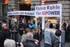 Geldeinwurf-Halbtotale-Keine-Kohle-fuer-Repower-2011-12.03