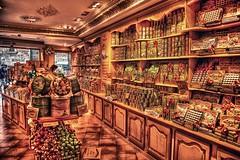 Chuches y golos (Jose Casielles) Tags: tienda yecla bombones caramelos golosinas chuches piruletas mantecados polvorones fotografíasjcasielles colormluz