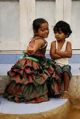 IND5412 - Les enfants flamenco (Persodan) Tags: voyage trip travel portrait people india color colors face look portraits travels nikon faces retrato belle d200 inde regard voyages baroudeur beaux 2011 in