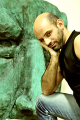penso dunque taccio (<NERVO> Luca) Tags: bear hairy man guy beard nikon mask uomo jeans hombre homme osus