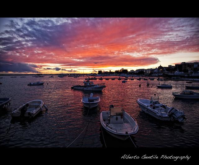 tramonto sul porto.