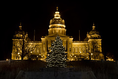 Merry Christmas from Des Moines! (w4nd3rl0st (InspiredinDesMoines)) Tags: christmas longexposure decorations urban holiday jason yellow pinetree night canon dark midwest outdoor iowa capitol 7d lit tannenbaum desmoines lighted 2011 silentnight 1585 mrachina w4nd3rl0st desmoinesisnotboring