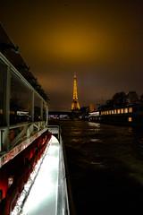 DSC_0290.jpg (Sphaxi) Tags: santa paris galeries tour eiffeltower eiffel midnight vitreaux nuit cadeaux bateauxmouches prenoel