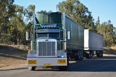 Peterbilt Road Train (quarterdeck888) Tags: nikon flickr transport highways trucks peterbilt roadtrain tractortrailer haulage quarterdeck jerilderietrucks