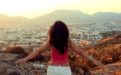 """I belive I can fly"" (AydanS) Tags: girls summer woman turkey bodrum bodrumbodrum azerbaijani"