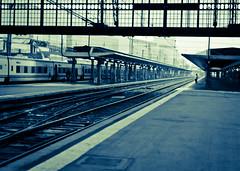 N24 ((LP)) Tags: man paris alone gare platform trainstation 365 austerlitz quai homme seul