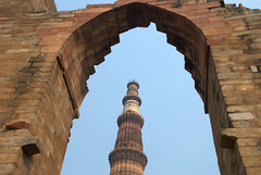 Qutub Minar (VinayakH) Tags: india tower minaret delhi mosque unesco minar qutubminar mehrauli iltutmish slavedynasty qutbuddinaibak