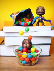 M&M Time! (Alex Tran | atranphoto.com) Tags: boy big mms candy little chocolate drop planet mm sack pretzel ps3 lbp littlebigplanet sackboy atran lbp2 atranphotography atranphoto