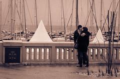 Kiss (Fabien VENEL) Tags: bw love nikon kiss nb amour villes baiser laciotat d7000