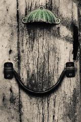 160507_Rihornos_5724-2.jpg (engolo) Tags: puerta cerrado fotografia viejo virado oxidacin entorno detallearquitectnico partesdecasa