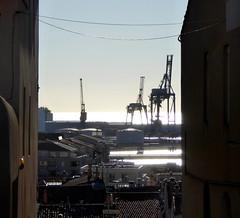 La guerre des mondes - War of the worlds, Ste (blafond) Tags: port harbor harbour cranes languedoc waroftheworlds ste mediterrane grues guerredesmondes portdeste