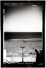 La plage (armandbrignoli) Tags: mer noir et blanc plage personne fuji bw beach sea